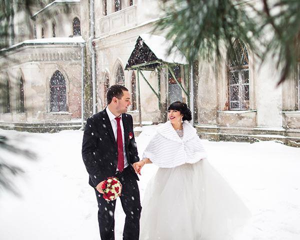 Christmas Wedding - Bride