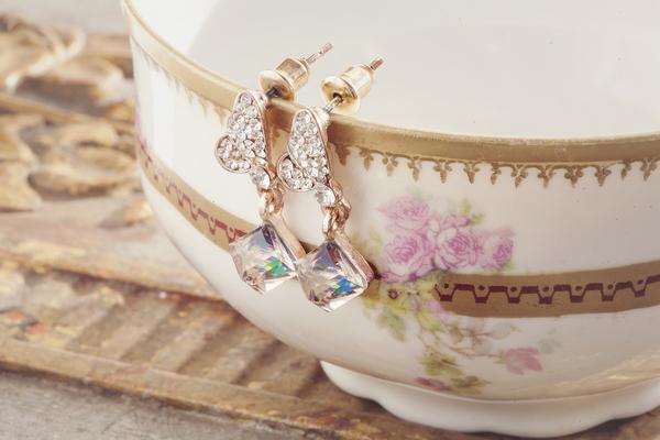 'Something Old' Wedding Ideas - Jewels